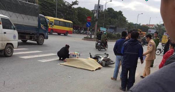 Hà Nội: Dừng đèn đỏ, nam thanh niên 22 tuổi bị xe khách cán tử vong