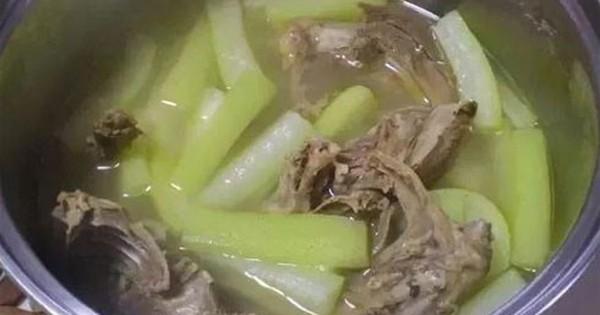 Người đàn ông nhập viện vì ăn món cả nhà chê đắng: 4 loại rau củ cẩn thận ngộ độc
