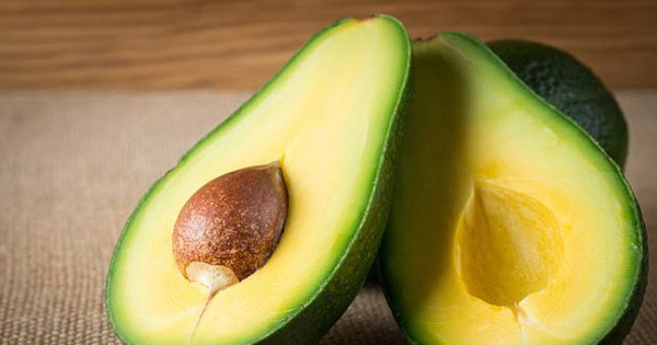 Nhiều lợi ích không ngờ từ quả bơ, nhưng bạn chỉ nên ăn nửa quả một ngày