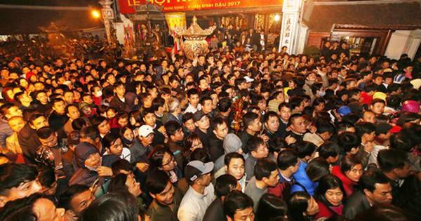 Đề xuất khôi phục lễ phát ấn đền Trần vào nửa đêm
