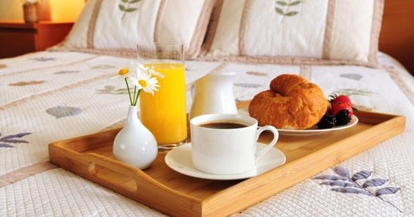 Những việc làm khi ngủ dậy sẽ khiến cân nặng tăng lên nhanh chóng
