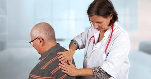 Đừng coi thường khi đau lưng, bởi có thể là dấu hiệu của ung thư phổi