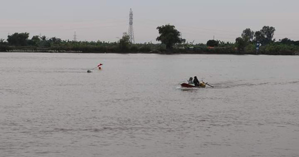 Đắm tàu trên sông Văn Úc, Hải Phòng: Đã tìm thấy thi thể người vợ