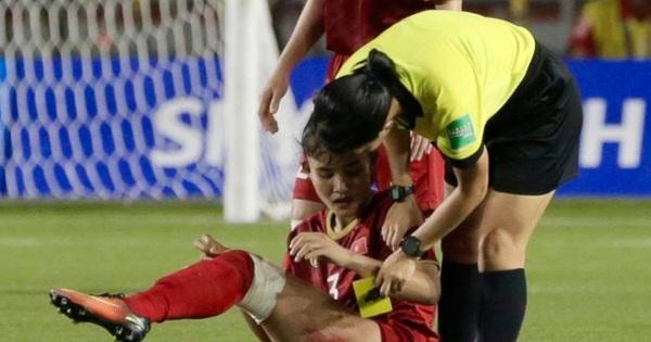 Hình ảnh đắt giá và xót xa nhất trận chung kết bóng đá nữ SEA Games 30: Đường đến vinh quang của các cô gái vàng Việt Nam có cả máu và nước mắt