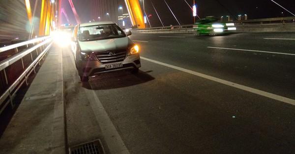Hà Nội: Một người đàn ông đi bộ trên cầu Nhật Tân bị ô tô tông nguy kịch