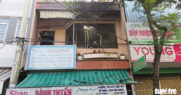 Nam thanh niên liều mình lao vào đám cháy cứu 2 cụ già