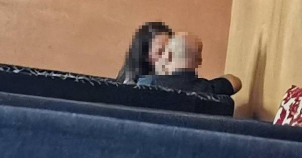 """Tranh cãi hình ảnh """"ông bà anh"""" hôn nhau giữa quán cafe Sài Gòn"""