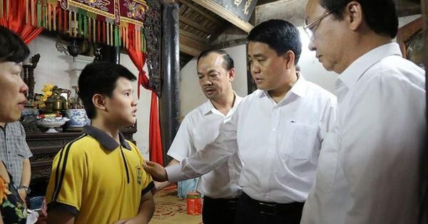 """Chủ tịch Hà Nội thăm gia đình nữ công nhân bị """"xe điên"""" đâm tử vong"""