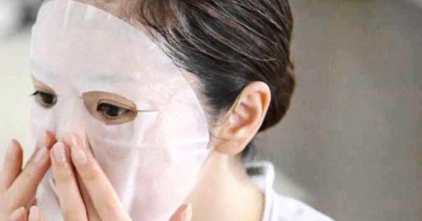 Kinh hãi hình ảnh cơ thể cô gái phát sáng như zombie khi thoa kem dưỡng sau tắm trắng