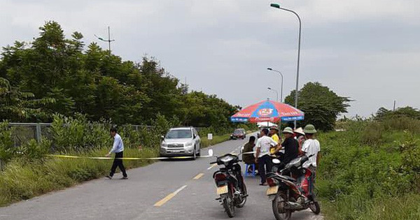 Phát hiện thi thể đàn ông phân hủy bên đường ra sân bay Nội Bài