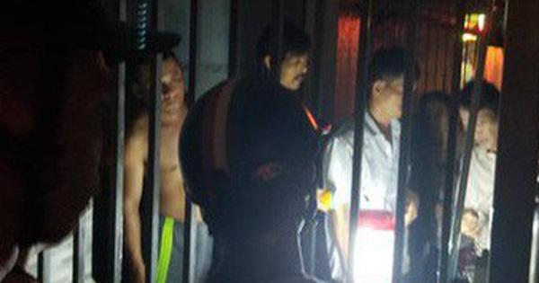 Nam sinh lớp 11 bị điện giật tử vong khi ra đóng cổng nhà