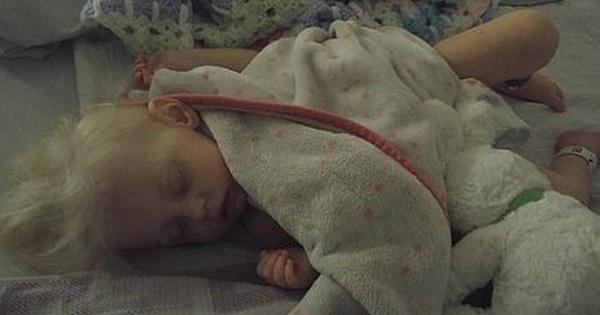 Bé gái bị thiếu máu, chảy máu trong nghiêm trọng do mẹ cho uống quá nhiều sữa bò