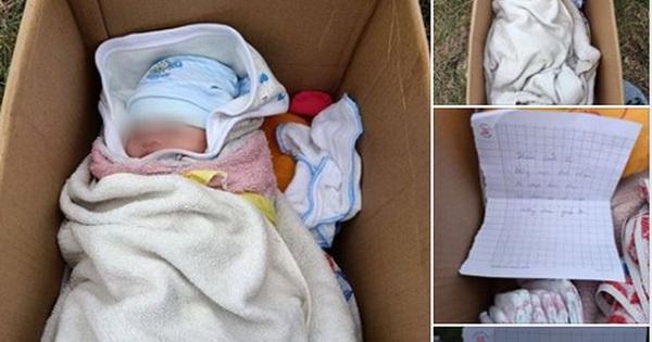 Hà Nội: Bé gái sơ sinh bị bỏ rơi bên vệ đường, lời nhắn bên cạnh mới thật sự xót xa