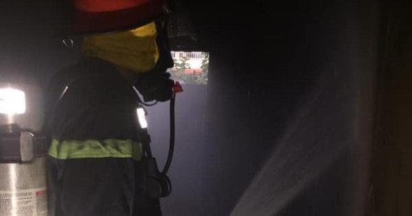 Cháy do thắp hương ngày Tết, cụ bà 80 tuổi mắc kẹt trong căn nhà 2 tầng