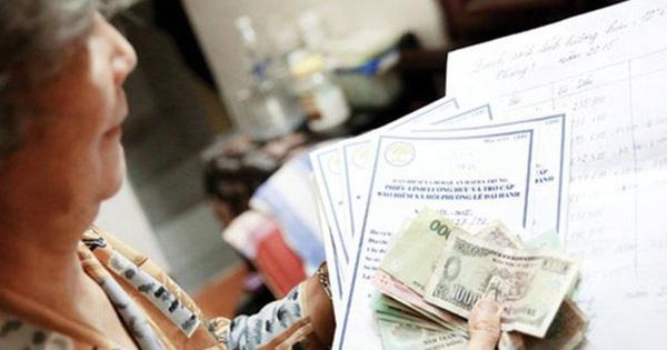 TP.HCM: Người dân nhận lương hưu qua bưu điện