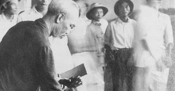 """Nhớ lần Bác về thăm """"Ngọn cờ Gió Đại phong"""" của tỉnh Phú Thọ"""