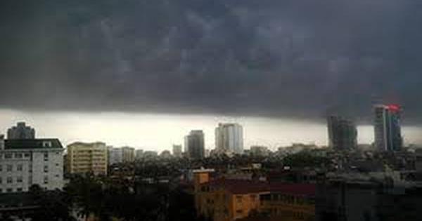 Dứt nắng nóng, miền Bắc mưa dông, gió giật từ tối nay