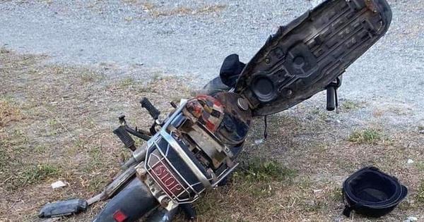 Thi thể người đàn ông cháy đen bên cạnh xe máy
