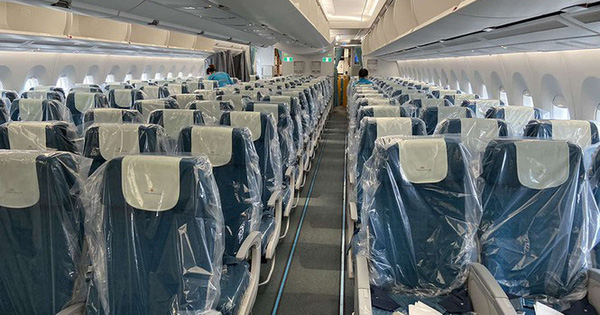 Bên trong chuyến bay đặc biệt đón lao động tại Guinea Xích đạo về nước