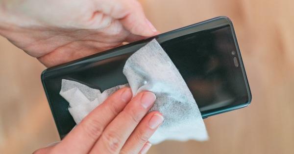 Đây là lý do bạn cần ngừng ngay việc dùng điện thoại trong phòng tắm, hóa ra não cũng được nhờ nếu bạn làm vậy
