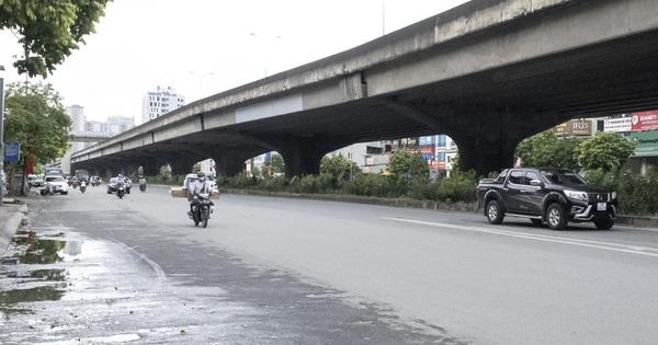 Đường phố Hà Nội không còn đông đúc mặc dù chưa thực hiện giãn cách xã hội