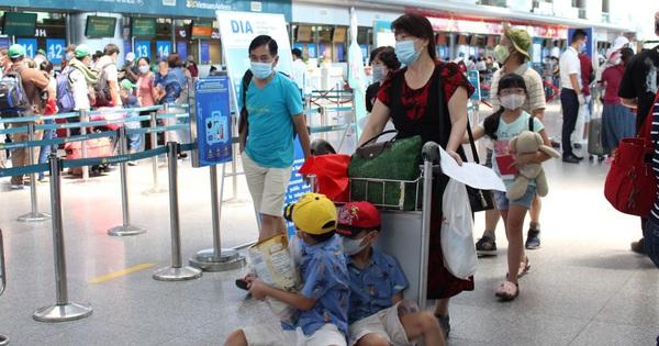 """Bố trí 2 chuyến bay để du khách """"mắc kẹt"""" rời Đà Nẵng"""