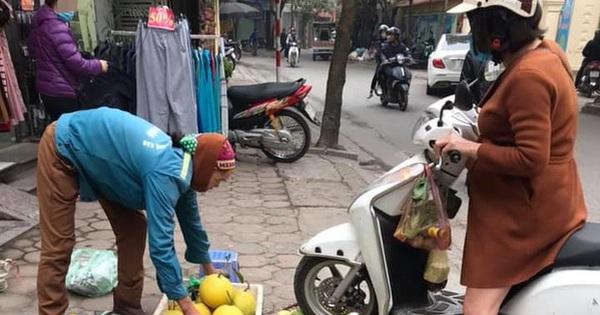 Vụ người phụ nữ mang thai phi xe cán nát mẹt hoa quả của người bán hàng rong: Nhân viên cửa hàng quần áo lên tiếng