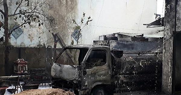 Xe bồn cháy ở trạm xăng, thiêu chết tài xế