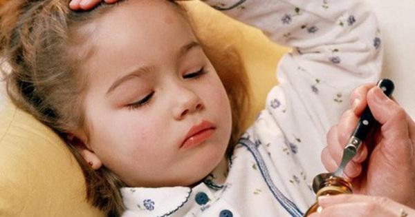 Khi nào sốt, chảy máu mũi là dấu hiệu trẻ mắc ung thư?
