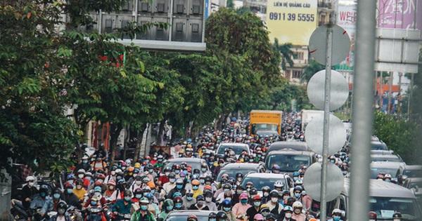 Sáng 19/10: Sài Gòn kẹt xe trở lại; Công an lên tiếng về lời tố bị hành hung của bà Phương Hằng