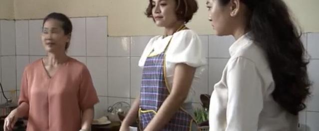 Lửa ấm tập 30: Nhận việc mới xong, Thủy về nhà thì sững người thấy tiểu tam đang nấu nướng vui vẻ với mẹ chồng