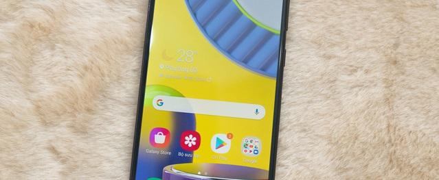 7 smartphone pin 'khủng' giá 6 triệu đồng