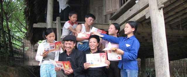 Những bản làng không yên ả vì HIV