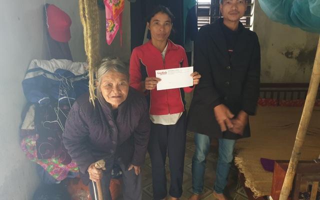 Trao tiền bạn đọc hỗ trợ 2 hoàn cảnh khó khăn ở Hà Tĩnh