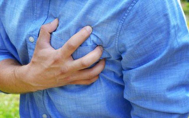 Đau thắt ngực sau khi chơi thể thao có đáng ngại?