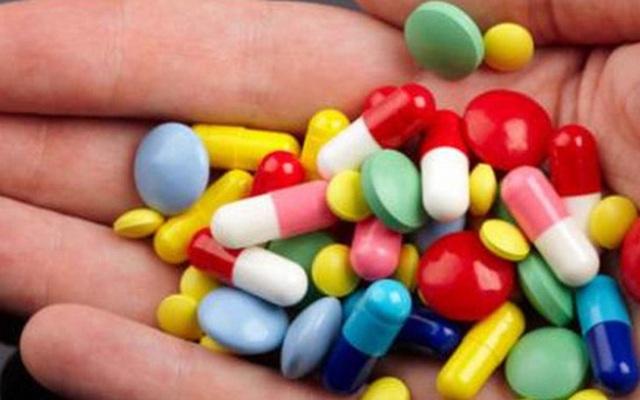 Không phải cứ sốt là uống kháng sinh