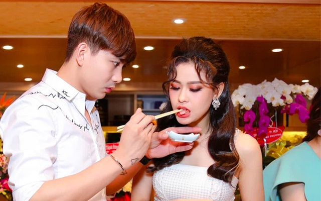Cặp đôi khó hiểu nhất showbiz Việt: Xóa hình xăm khi ly hôn nhưng vẫn tình tứ, ở chung nhà
