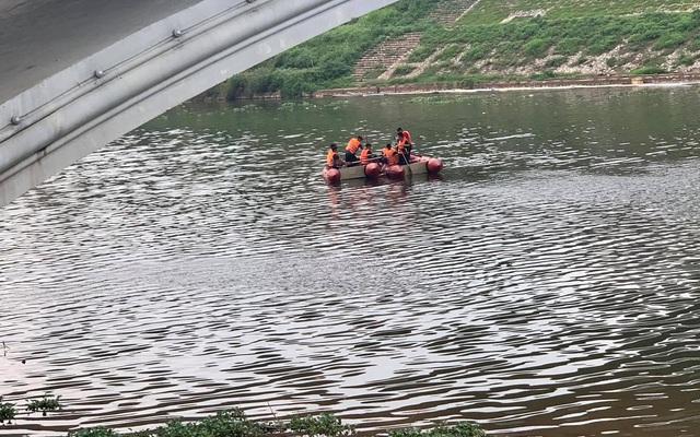 Tìm thấy thi thể nạn nhân nhảy cầu Kỳ Cùng