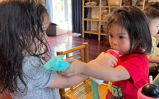 Con gái Thanh Thảo và Hà Anh học cùng lớp