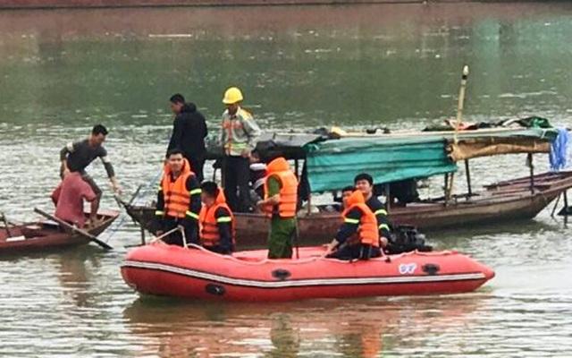 Nghệ An: Tìm thấy thi thể nữ sinh gieo mình xuống sông Lam tự tử