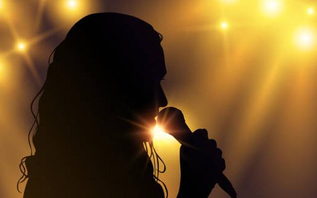 Thêm một ca sĩ nổi tiếng của Vbiz bị gửi đơn tố cáo và đã được cơ quan có thẩm quyền tiếp nhận?