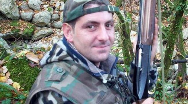 Giết vợ cũ bằng 10 nhát dao rồi thông báo lên Facebook