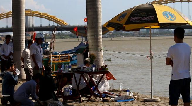 """Đà Nẵng: Đi câu cá trên sông Hàn, một """"cần thủ"""" mất tích"""