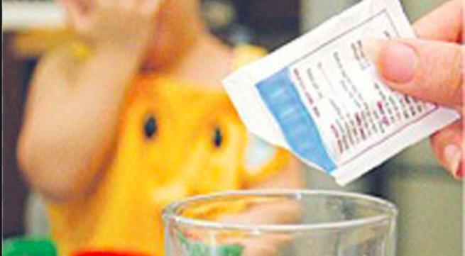 Bé 8 tháng tuổi nhập viện cấp cứu vì rối loạn ý thức do uống oresol pha sai cách