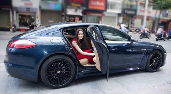 """Hoa hậu Mai Phương Thúy lên tiếng khi """"bị cho là"""" giàu có ở tuổi 30"""