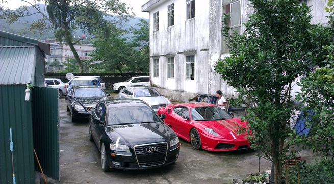 Cận cảnh dàn xe siêu sang bị tạm giữ tại Quảng Ninh