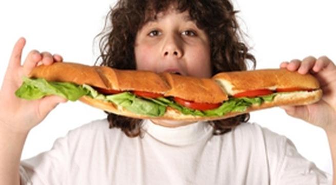 """Nhỏ béo phì, lớn dễ """"bất lực"""""""
