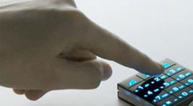 Trộm điện thoại để xài Tết