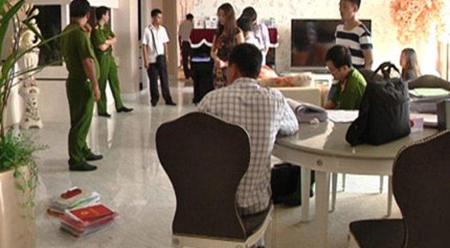 Hai con trai quý bà Trương Thị Tuyết Nga tạm thời điều hành bệnh viện