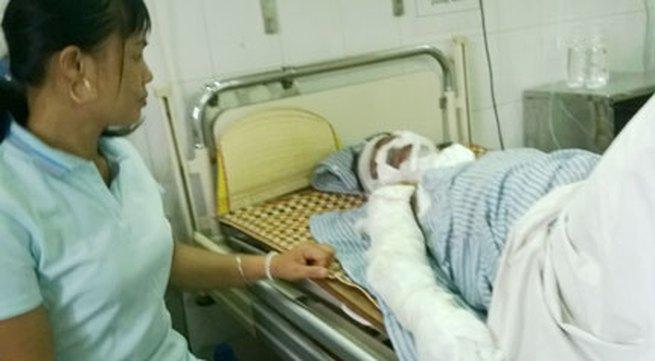 Hai người bị điện giật cháy sém ở Hà Nội: Quận Cầu Giấy đã coi thường cảnh báo?